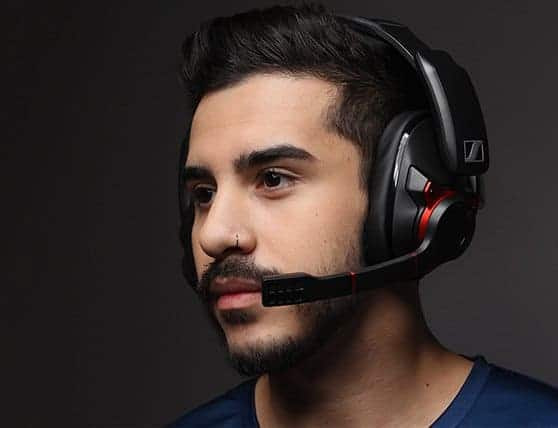 a gamer who wears his best sennheiser headphones