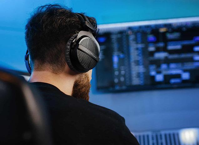 Beyerdynamic DT 990 Pro Open Studio Headphones Review