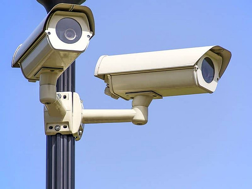 Are there security cameras that don't require WiFi